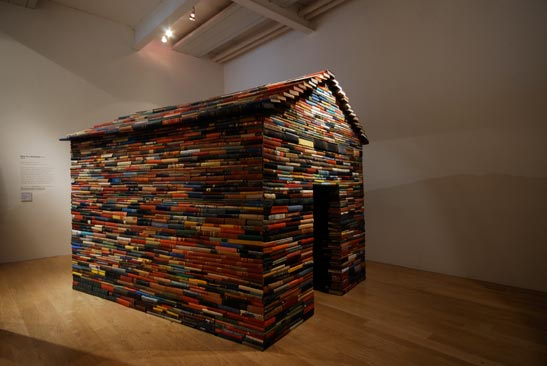 'The House of Books Has No Windows' Janet Cardiff & George Bures Miller, 2008.Installation with approx. 5000 second hand books. Dimension: 200 x 175 x 110 cm © Cardiff/Miller